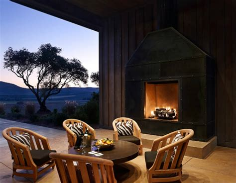 Outdoor Fireplaces In Outdoor Living Rooms