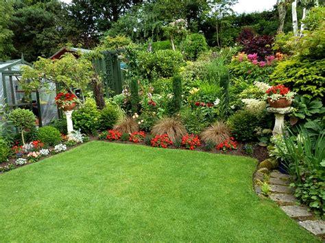 back to gardening aruncus aethusifolius