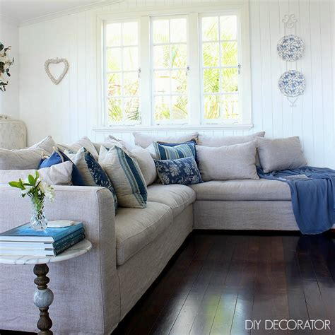 Corner Sofa Cushions by How Many Cushions For A 3 Seat Sofa Diy Decorator