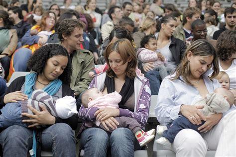 Breastfeeding Shows Steady Growth Vs Formula According