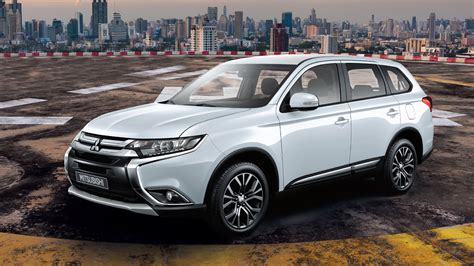Mitsubishi Outlander Mileage by Mitsubishi Outlander 2018 Price Mileage Reviews
