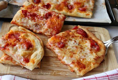 Pizza Soffice Fatta In Casa by Pizza Al Taglio Fatta In Casa Soffice E Gustosa Ricetta Facile
