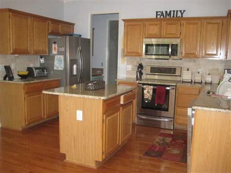 kitchen ideas with oak cabinets bloombety best kitchen design with oak cabinets kitchen