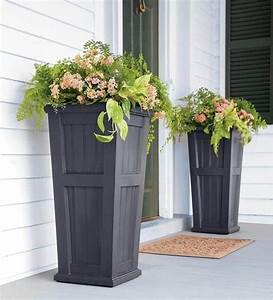 20, Smart, Ways, To, Personalize, Your, Front, Door, With, Flowers