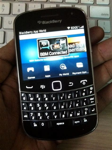 blackberry app world 3 0 out of beta now available for