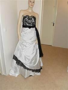 Robe De Mariée Noire : robe de mariee noir et blanc nadia location robe de ~ Dallasstarsshop.com Idées de Décoration