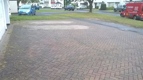 driveway and patio cleaning in hungerford and
