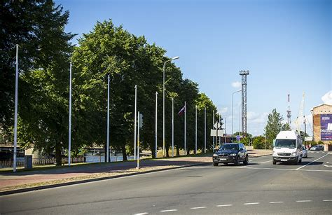 Pilsētu rotā jauni karogu masti | liepajniekiem.lv