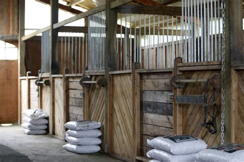 diy stall fronts  easily   drilling equidistant
