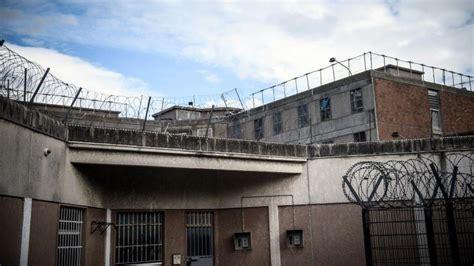 maison d arrt de villepinte direct des surveillants bloquent la prison de villepinte pour d 233 noncer la surpopulation carc 233 rale