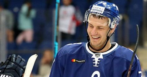 Latviešu snaiperis! Indraša supervārti iekaro KHL nedēļas ...