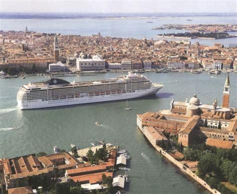 Porto Di Venezia by Ncc Parma Noleggio Con Conducente Porto Di Venezia Con