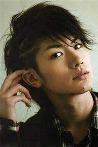 10 Hot Japanese actors who are complete bias ruiners ...