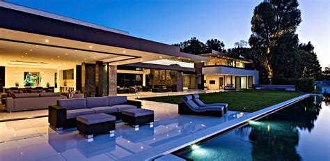 Timeless Contemporary Luxury Homes with Glamorous Interior