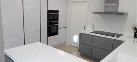muebles de cocina laser gris perla  blanco