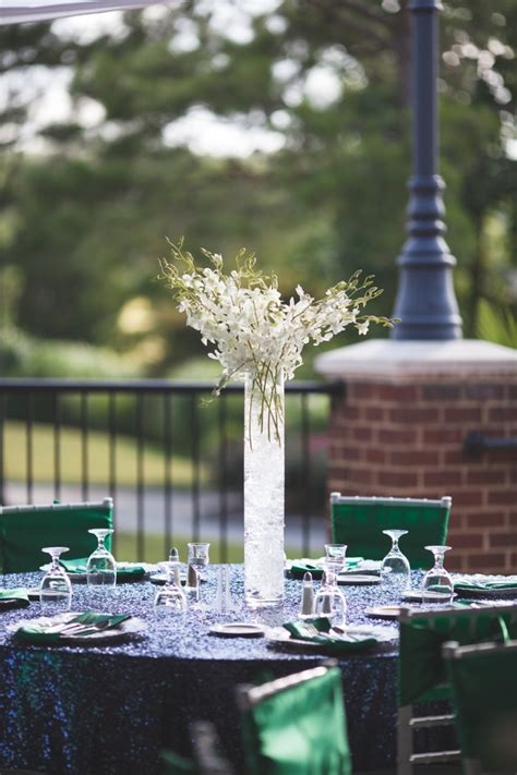modern elegant emerald  navy wedding   detail
