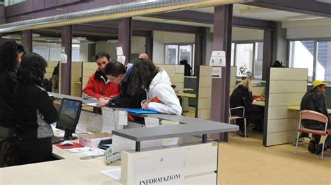 ufficio di collocamento torino i giovani disoccupati non credono pi 249 nel centro dell