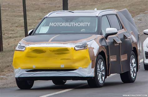 2020 Toyota Highlander by 2020 Toyota Highlander