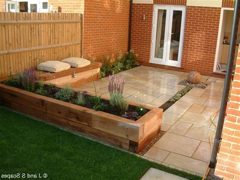decking designs for small gardens decorating idea