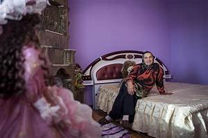 In Pictures: Romania's rich Roma | | Al Jazeera