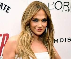Jennifer Lopez Biography - Childhood, Life Achievements ...