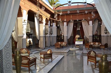 moroccan patios courtyards ideas  decor  inspirations