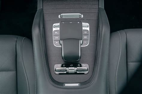 There are a litany of standard and available tech features, though the infotainment system takes a lot. Chi tiết Mercedes-Benz GLS580 4Matic 2021 kèm giá bán (01/2021)