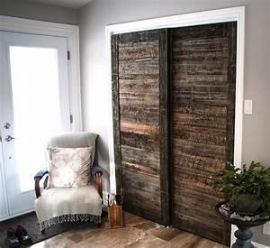 sliding barn doors porte de garde robe en bois de grange With portes coulissantes garde robe