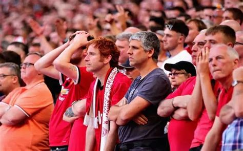 Man Utd fans fume with what Arsenal have done ahead of FA ...