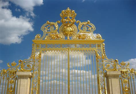 The Palace of Versailles: visiting a royal past ? Ritournelle