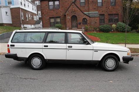 volvo  dl wagon  cyl automatic  owner