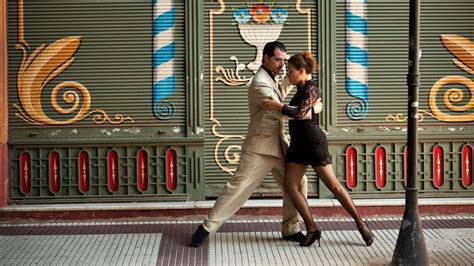 Live tango show Buenos Aires Argentina andBeyond