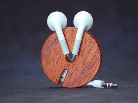 wooden earphone cord organizer gadgetsin