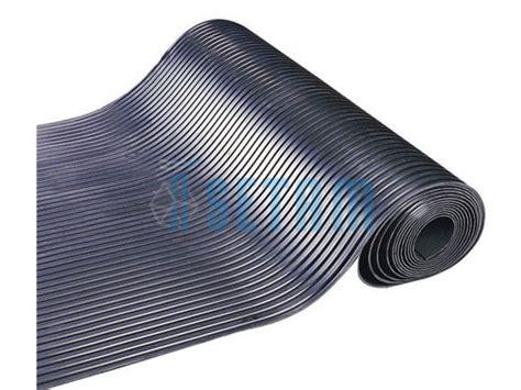 carrelage design 187 tapis caoutchouc au metre moderne design pour carrelage de sol et