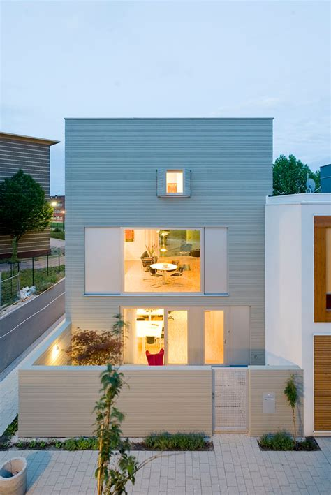 Exterior Minimalist by 5 Characteristics Of Modern Minimalist House Designs