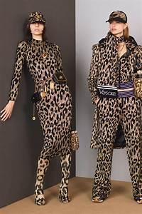 Möbel Trends 2018 : versace pre fall 2018 fashion show em 2019 outono 2018 moda moda leopardo e versace ~ A.2002-acura-tl-radio.info Haus und Dekorationen