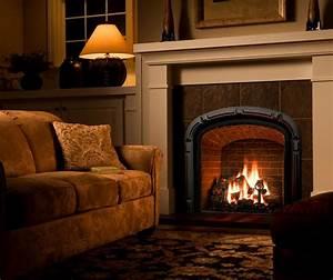 Mendota Hearth fireplace with brick background. Greenbriar ...