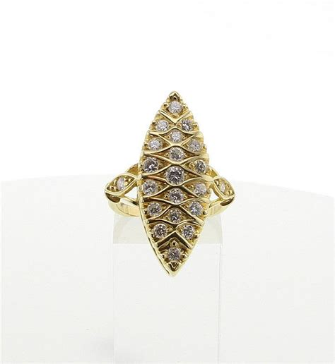 bague marquise or jaune bague marquise en or jaune 18k 750 176 00 et diamants taille