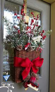 christmas door decorations basket - Christmas Basket Decorations