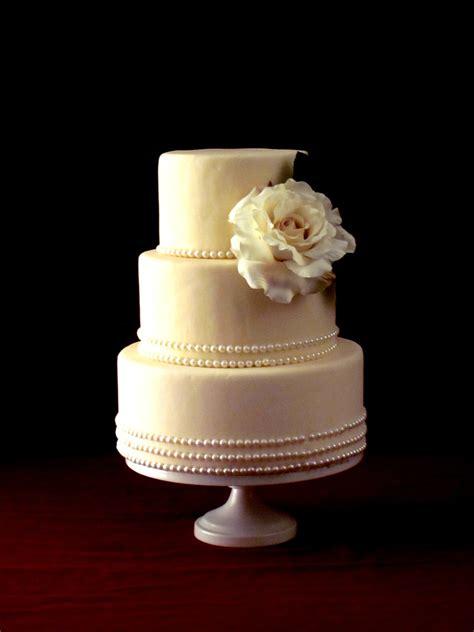 Modern Wedding Cakes On Pinterest Wedding Cakes Ivory