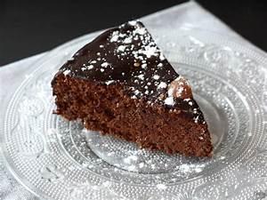 Décorer Un Gateau Au Chocolat : g teau au chocolat quelle est la meilleure recette cuisine t m raire ~ Melissatoandfro.com Idées de Décoration