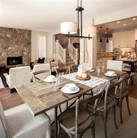 Stick to warm hues that accentuate the rich wood tones. Rustic dining room ideas - theradmommy.com