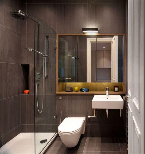 Kleines Quadratisches Badezimmer by Gro 223 E Fliesen Kleines Bad Braun Quadratisch Dusche