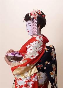 Day 14: Traditional Japanese Arts, Geisha, Maiko and the ...