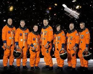 File:STS-125 crew portrait.jpg - Wikimedia Commons