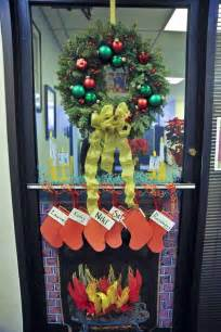 22 incredible christmas door decorating ideas christmas celebrations