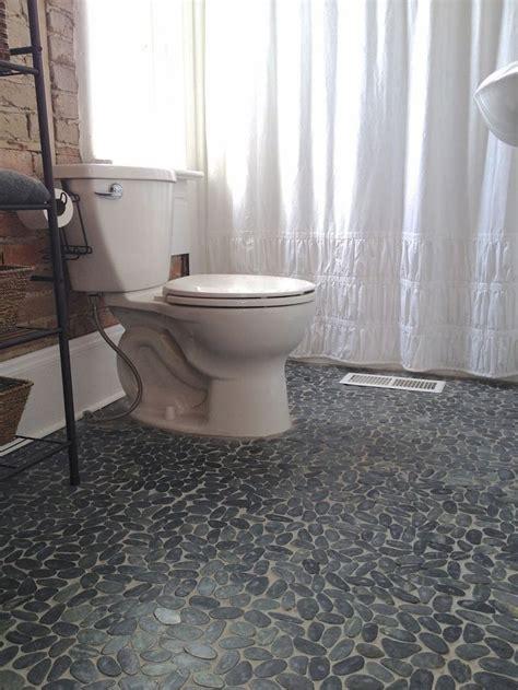 Kieselstein Fliesen Bad by Sliced Charcoal Black Pebble Tile Pebble Floor Pedestal