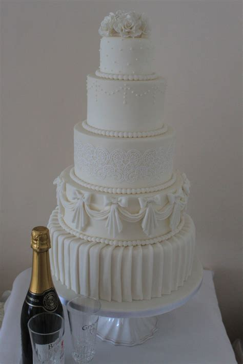 wedding cakes enfield wedding cakes north london