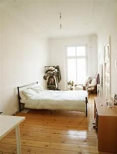 Zettels Kleines Zimmer : zimmer in berliner altbauwohnung altbau berlin prenzlauerberg in 2020 altbau schlafzimmer ~ Watch28wear.com Haus und Dekorationen