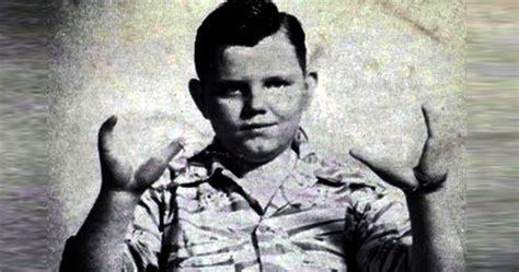 horrific life  murder trial   infamous lobster boy